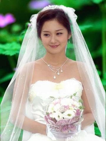 cf78631e1475b7e9168d3e240eb67f50 利用Photoshop通道为婚纱抠图简易教程