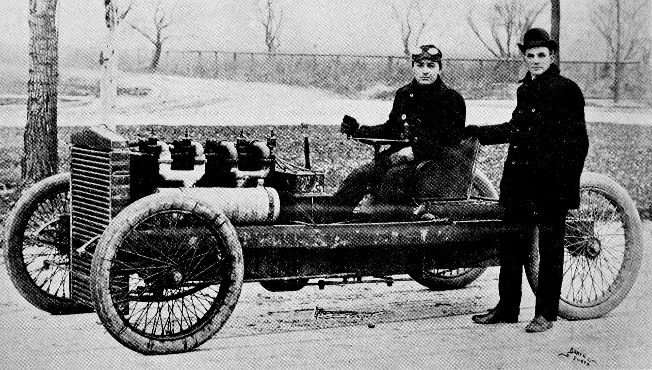 Henry_Ford_and_Barney_Oldfield_with_Old_999,_1902