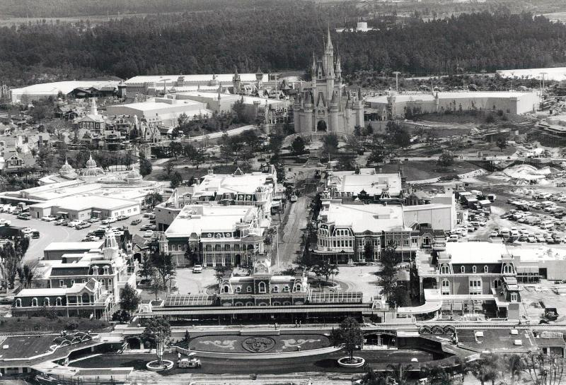 Magic_Kingdom_Construction_(08-1971)