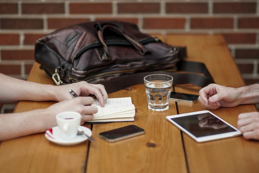 初级用户体验设计师可以向其他合作伙伴学习什么?(运营&PD篇)
