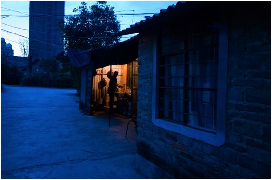 认为街拍门槛低?先来看看专业摄影师分享的3个实用经验