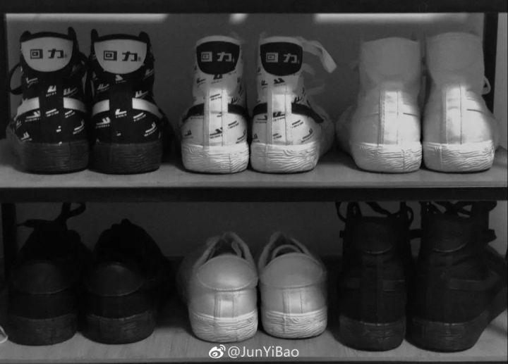 专访回力首席设计师秦曼&鲍珺怡:Converse、Vans满街跑,不如…国潮了解一下?