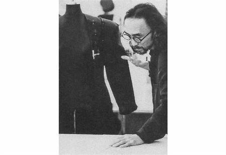 非科班出身的日本设计师川久保玲,为何能与山本耀司齐名?