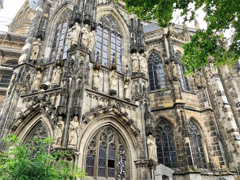 用一篇文章,帮你了解中世纪艺术的加洛林美术