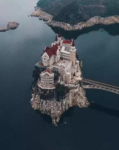 建筑这么魔幻,贵州为啥还不出名?